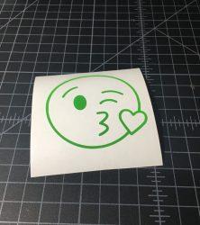 emoji_kissingheart
